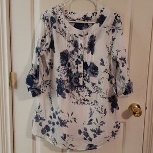 Soft Surroundings Blue and White Floral Top NWT